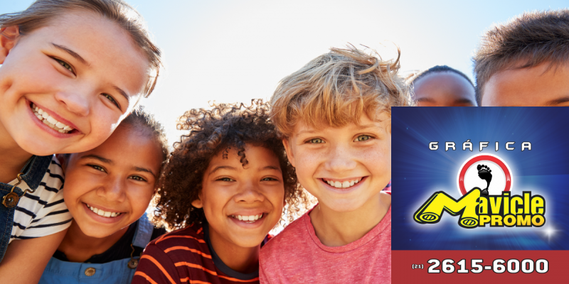 Aspen Pharma colabora com o Mandela Day   Guia da Farmácia   Imã de geladeira e Gráfica Mavicle Promo