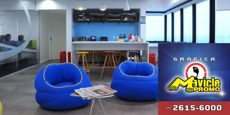 Merck Brasil adota o novo modelo de comunicação visual   Guia da Farmácia   Imã de geladeira e Gráfica Mavicle Promo
